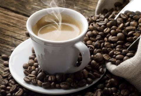 Die Gelehrten: das Koffein schutzt vor dem Krebs der Haut
